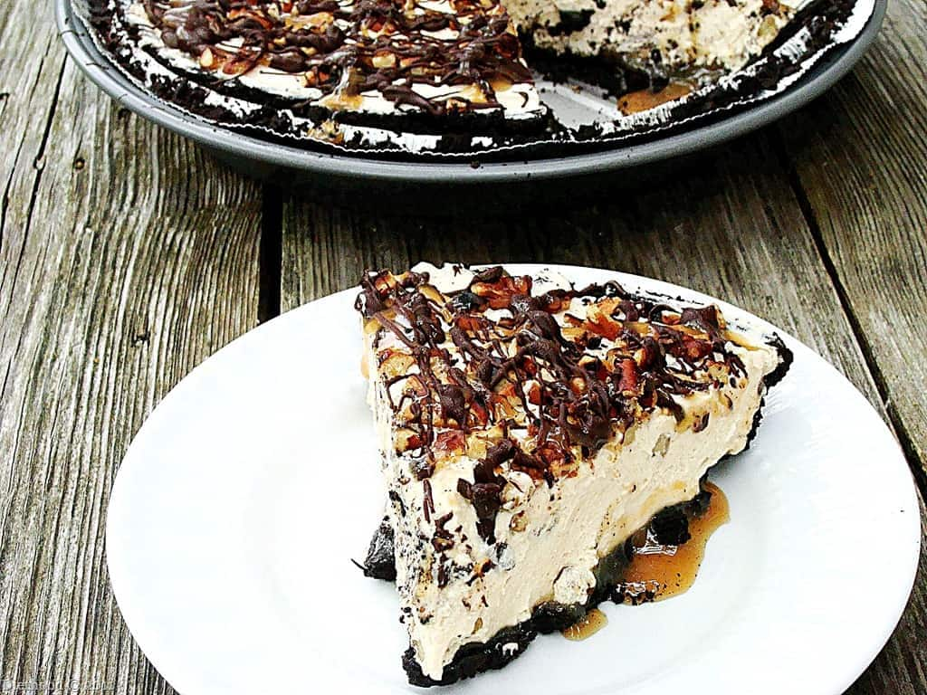 Snickers and Turtles Pie - Snickurtle Pie Recipe | diethood.com