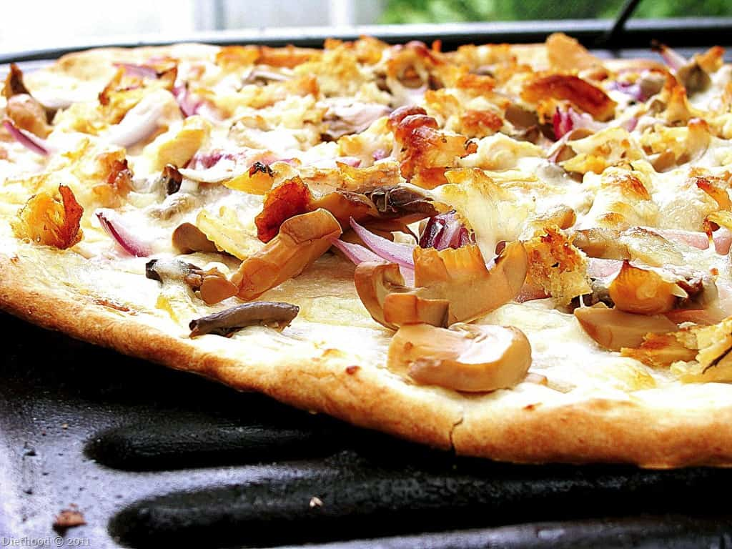 Grilled Pizza Chicken Red Onions And Cream Cheese