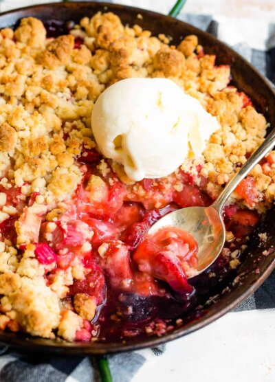 Ice cream and crumble in a pan.