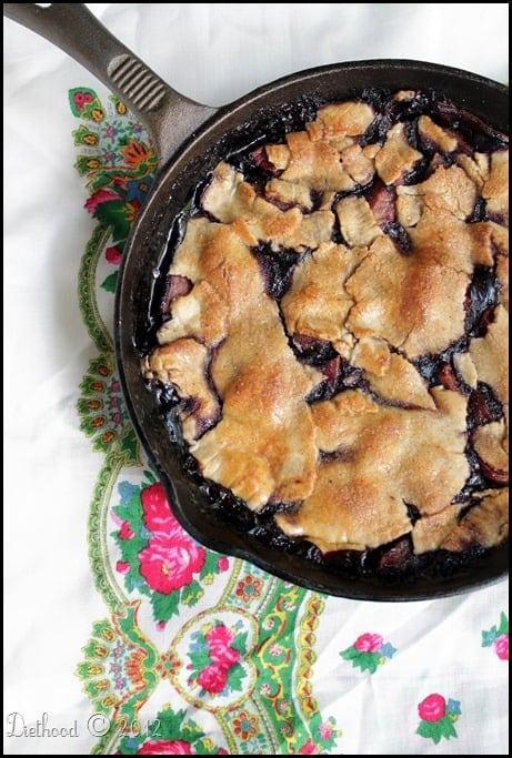apple berry pie via diethood.com