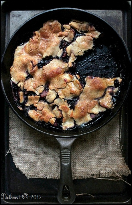 Apple Berry Pie | diethood.com