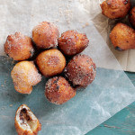 Canned Biscuits Donut Holes @diethood #doughnuts #recipe #breakfast #chocolate