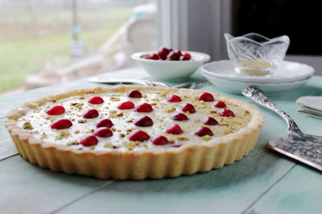 White Chocolate Cranberry Tart @diethood | www.diethood.com | #tart #dessert #christmas #holidaybaking #cranberries #whitechocolate #recipe