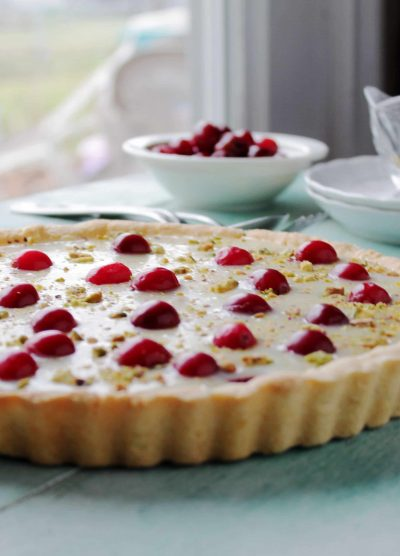 White Chocolate Cranberry Tart @diethood | www.diethood.com | #tart #dessert #christmas #holidaybaking #cranberries #whitechocolate #recipe