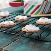 Ginger Snap Cookies with Cream Cheese Frosting @diethood | www.diethood.com | #cookies #christmas #holidays #gingersnaps