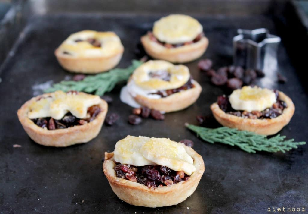 tartlets 8 1024x710 Boozy Fruit Tartlets