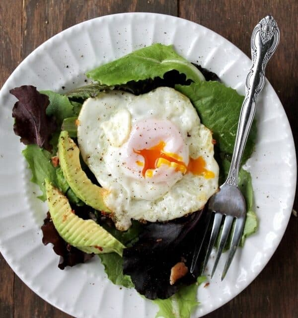 Fresh Fried-Egg Salad | www.diethood.com | #recipe #salad
