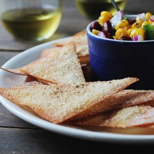 Baked Wonton Chips with Corn Salsa | www.diethood.com | #chips #recipe #wontonchips #cornsalsa @diethood