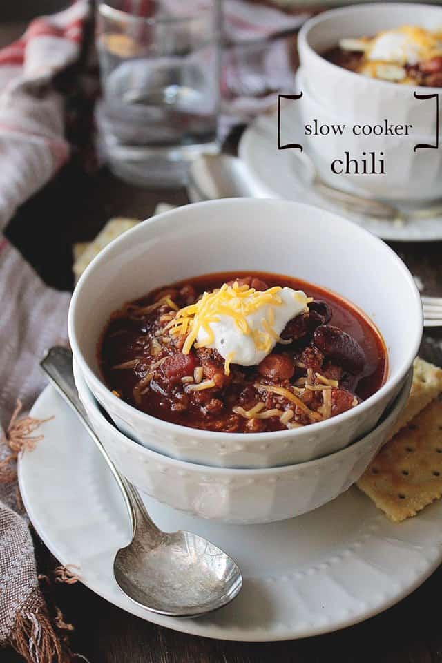 Slow Cooker Chili | www.diethood.com | Beefy chili packed with beans, vegetables, and spice | #recipe #chili #dinner #slowcooker #crockpot