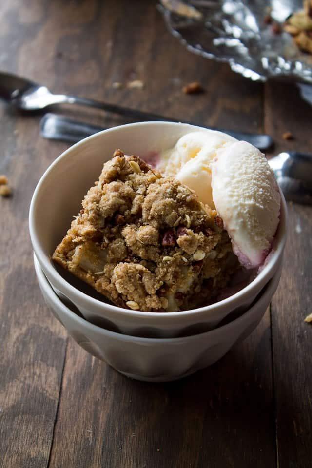 Apple Oat Bars | www.diethood.com | #apples #dessert #healthy #oats