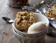 Apple Oat Bars | www.diethood.com | #apples #dessert #healthy #oats