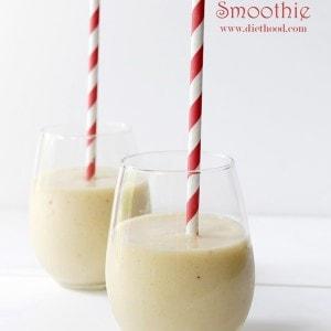 Mango Banana Smoothie | www.diethood.com | #smoothierecipe #mango #smoothie