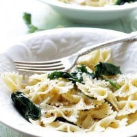 Garlic-Butter Spinach and Pasta | www.diethood.com | Fresh spinach and bow tie pasta tossed in a delicious and warm garlic-butter sauce. | #recipe #pasta