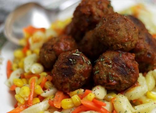Meatballs and Pasta   www.diethood.com #shop