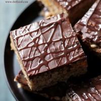 Cheez-It Rolo Rice Krispies Treats   www.diethood.com   #chocolate #recipe
