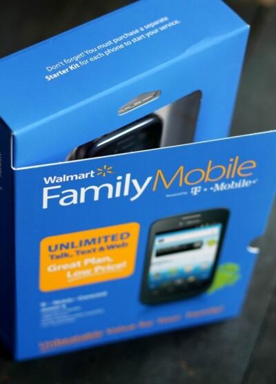 Saving for the Holidays with Walmart Family Mobile   www.diethood.com   #FamilyMobileSaves #cbias #shop