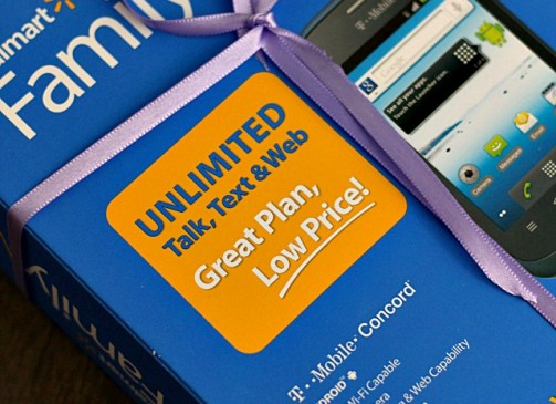 Saving for the Holidays with Walmart Family Mobile Cheap Wireless Plan | www.diethood.com | Saving for the Holidays with a new phone and a Walmart Family Mobile Plan. | #FamilyMobileSaves #shop #cbias