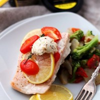 Lemon-Pepper Salmon in Foil   www.diethood.com