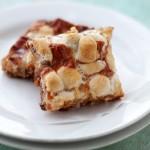 Peanut Butter Marshmallow Magic Bars | www.diethood.com