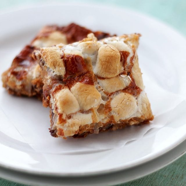 Peanut butter marshmallow magic bars recipe diethood for Peanut butter recipes easy dessert