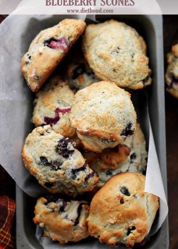 Blueberry Scones with Blueberry Cream Cheese Frosting www.diethood.com #recipe #scones #blueberryscones #creamcheesefrosting
