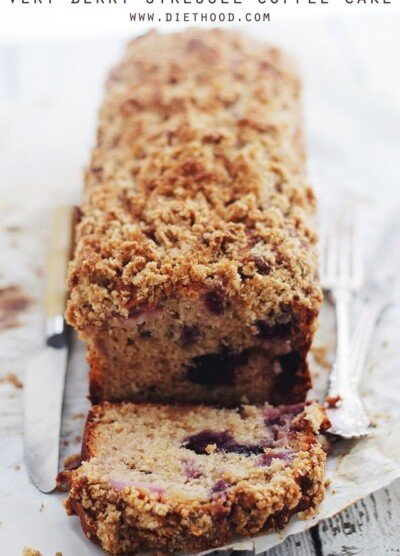 Very Berry Streusel Coffee Cake | www.diethood.com | Tender and moist coffee cake made with yogurt, strawberries, blueberries, and a crumbly streusel topping. | #cake #berries #breakfast