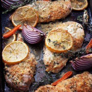 Garlic-Yogurt Baked Chicken | www.diethood.com | Flavorful, delicious baked chicken marinated in a yogurt mixture with garlic and thyme. | #recipe #chicken