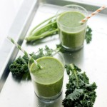 Banana, Kiwi and Kale Smoothie | www.diethood.com | #recipe #smoothie