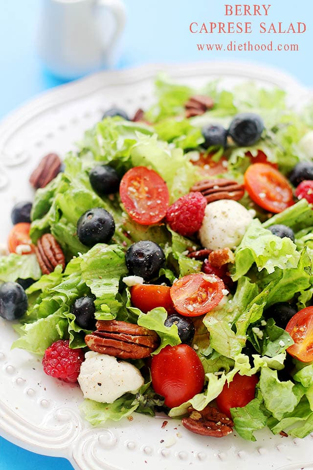 Berries Caprese Salad | www.diethood.com | Caprese Salad mixed with greens and berries - I can LIVE on this stuff! | #recipe #capresesalad #berries
