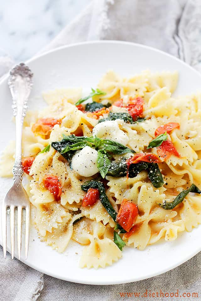 One Pot Caprese Pasta served on a white plate.
