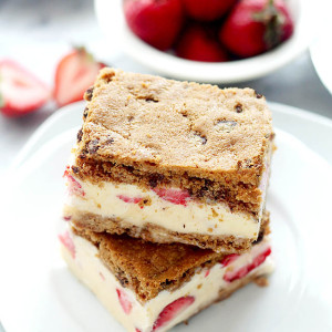 Strawberry Ice Cream-Chocolate Chip Cookie Sandwiches + Giveaway