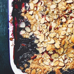 Strawberry Blueberry Crumble