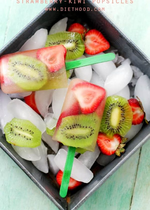 Strawberry Kiwi Popsicles   www.diethood.com   Super easy, delicious, and healthy!   #recipes #popsicles #healthyrecipes