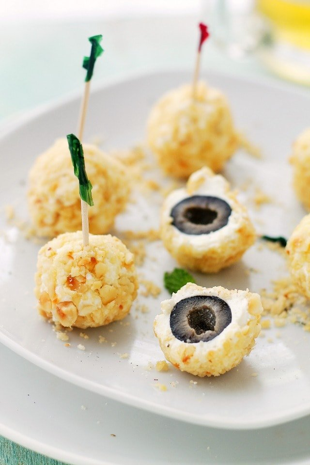 Feta Cheese-Covered Olives | www.diethood.com | Feta Cheese-Covered Olives is a fun and incredibly flavorful appetizer made with olives covered in a feta cheese mixture and rolled in crushed hazelnuts. | #recipes #appetizers #CalRipeOlives
