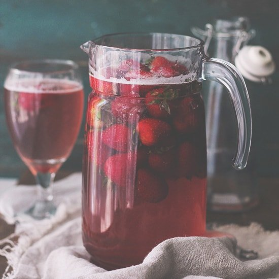 Homemade Strawberry Juice | Made with only 3 ingredients, including fresh strawberries, this is the most delicious and most flavorful juice you will ever have! | #recipes #strawberries