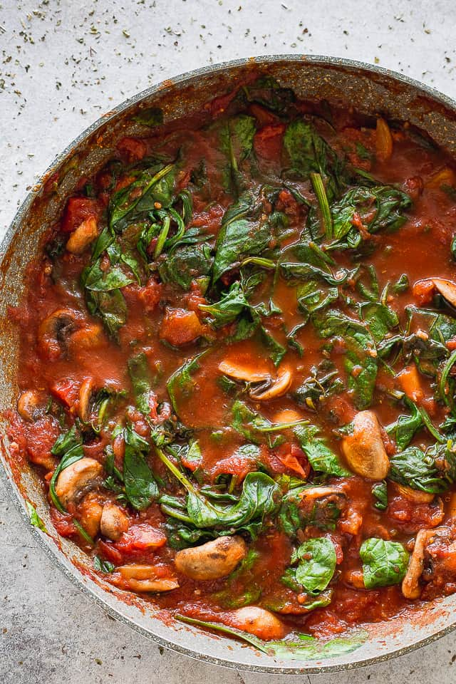 Tomatoes and Spinach sauce for pasta