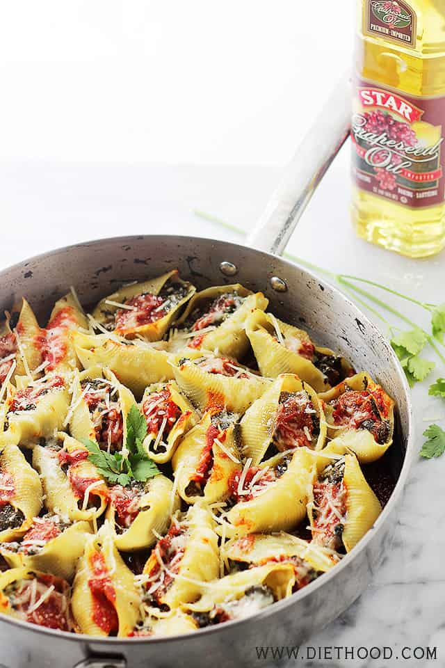 Stuffed Shells Florentine | www.diethood.com | Jumbo Pasta Shells stuffed with a flavorful spinach, tomato, and mushroom mixture. | #recipe #stuffedshells #spinach