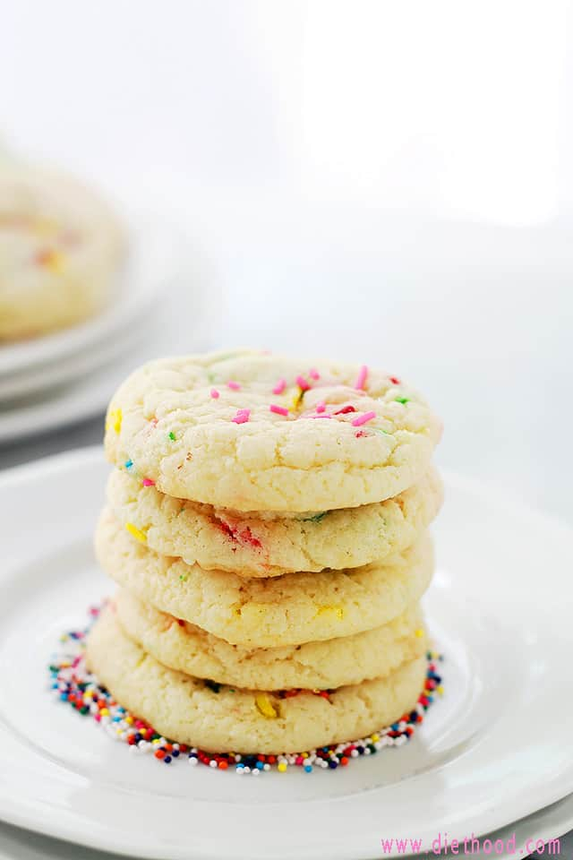 Funfetti Cookies from Diethood Cake Batter Funfetti Cookies | Sallys Bridal Shower