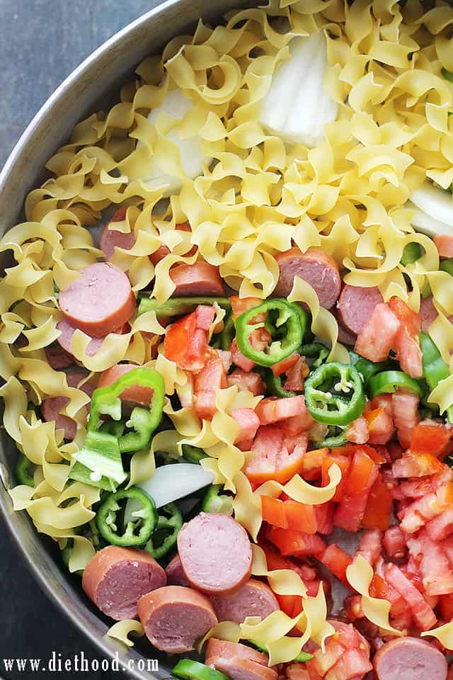 One-Pot Turkey Sausage Noodles | www.diethood.com | Quick and easy, one-pot dinner with egg noodles, turkey sausage and fresh vegetables.