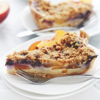 Peach Blueberry Custard Pie with Streusel Topping | www.diethood.com | Pie crust filled with fresh peaches and blueberries tossed in a sweet and delicious custard, topped with a buttery streusel topping.