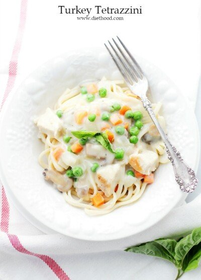 Turkey Tetrazzini with Fetuccine   www.diethood.com   Leftover turkey meat tossed in a delicious creamy sauce and served over fettuccine.