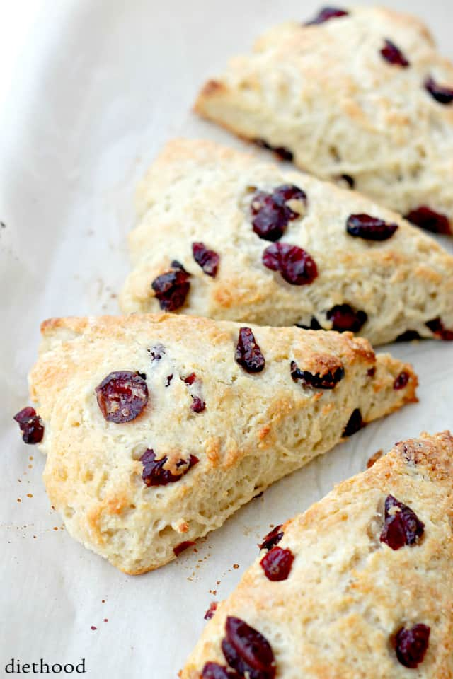 Cranberry and Vanilla-Yogurt Scones | www.diethood.com | Lightened-up, no-butter, sweet Scones made with a delicious vanilla yogurt and ruby red cranberries.