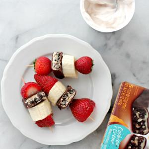 Cookies and Cream Fruit Skewers | www.diethood.com
