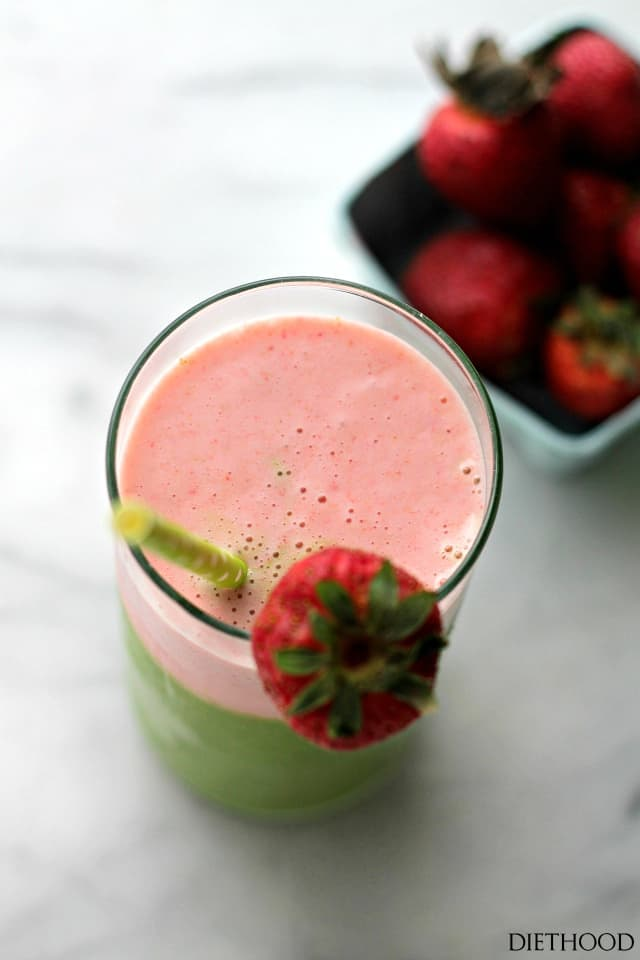 Green Berry Smoothie | www.diethood.com | Wake up to a delicious protein boost with this yogurt-based smoothie that's loaded with kale, strawberries, bananas and apples.