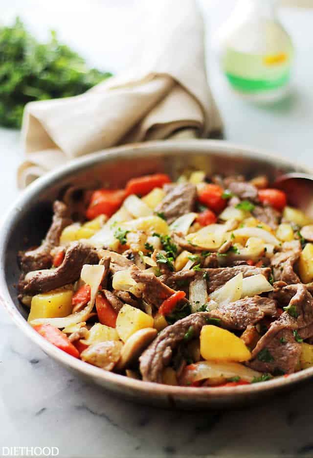 Steak and Potatoes Skillet | www.diethood.com | This easy skillet recipe involves tender strips of sirloin steak and cubed potatoes tossed with colorful veggies and Citrus Soy Sauce. It's SO good, it should win an award!