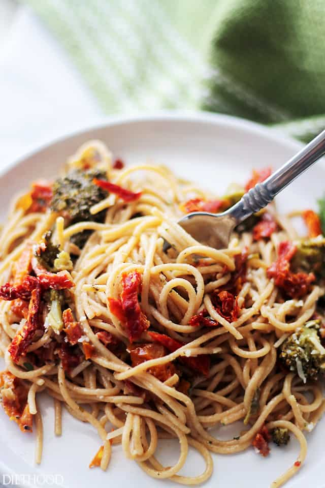Broccoli and Sun-Dried Tomatoes Pasta - Whole Grain Pasta tossed in a ...