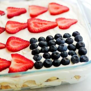 Red, White and Blue Tiramisu {NO BAKE Dessert!}