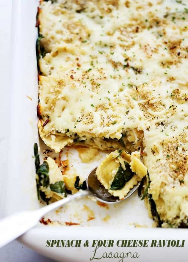Spinach and Four Cheese Ravioli Lasagna | www.diethood.com | Layers of cheese-filled ravioli and fresh baby spinach covered in homemade alfredo sauce and topped with a crispy panko crumb-topping.