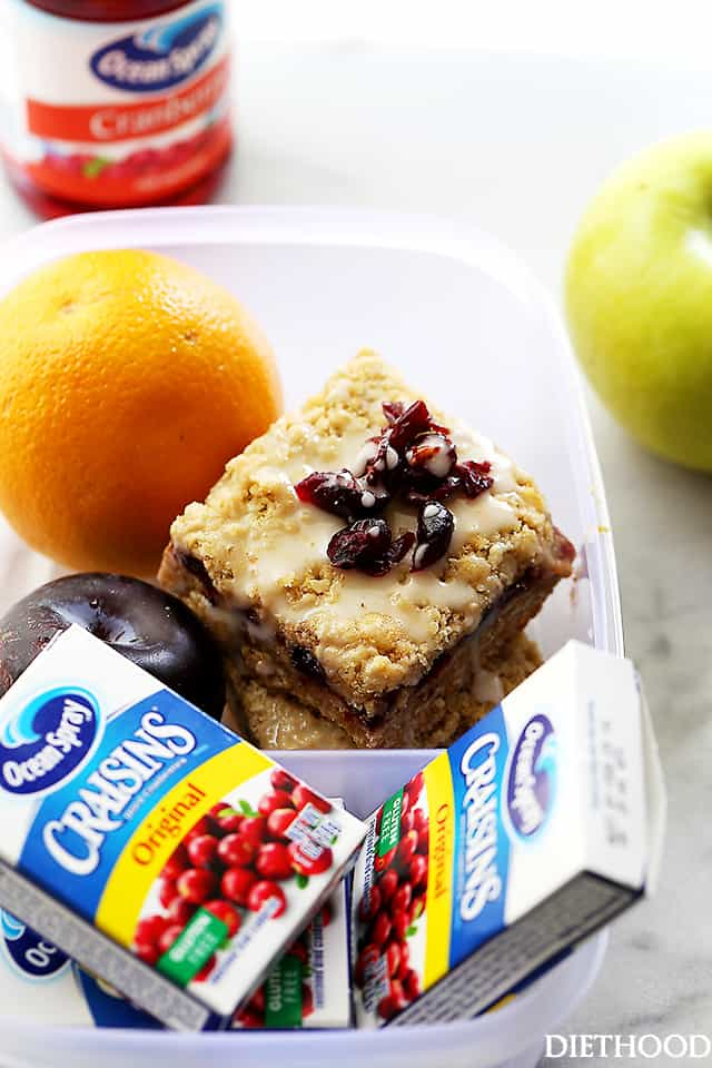 Cranberry Apple Crumble Bars | www.diethood.com | A delicious combination of apple sauce and cranberries nestled between a sweet and buttery oats-crumble mixture. Perfect snack for on-the-go!