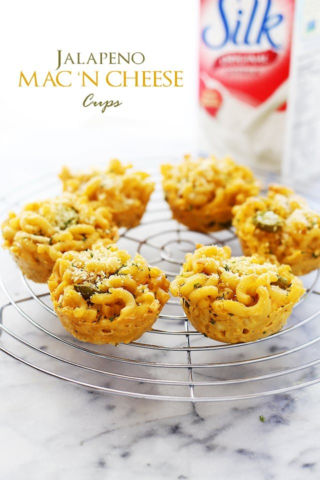 Jalapeno Macaroni and Cheese Cups | www.diethood.com | Easy, cheesy, spicy, and creamy, these Macaroni and Cheese Cups are the perfect snack for your next tailgating party!